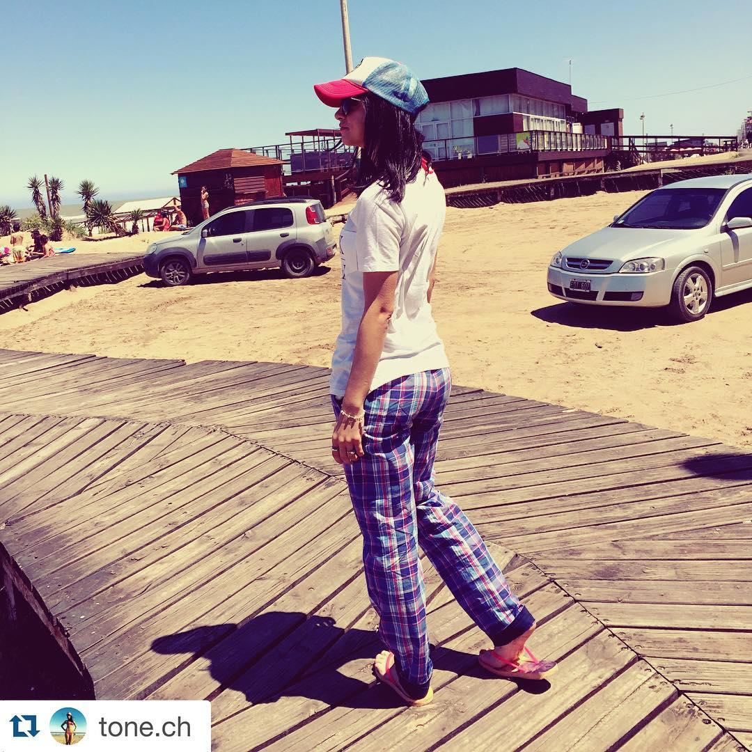Derrochando facha con sus #DomingosConOnda en la #playa #summer #UsáSuarez