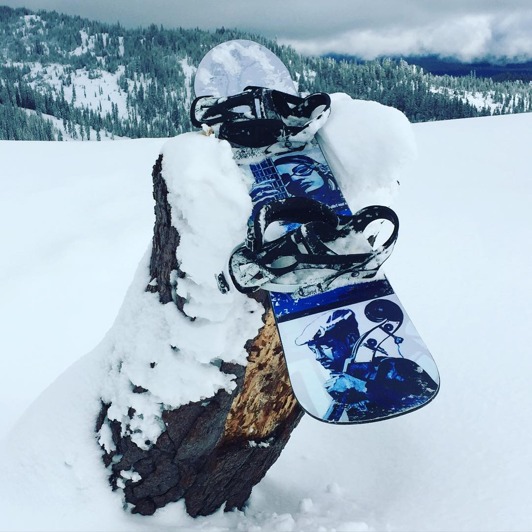 Boot packs and no tracks... way up in NorCal for some powder surfing today ❄️ The sound of no lifts is music to our ears, and it goes perfect with this #Bluesy custom sled from @osbmfg - Made right here in the USA, way back on the #RightCoast !
