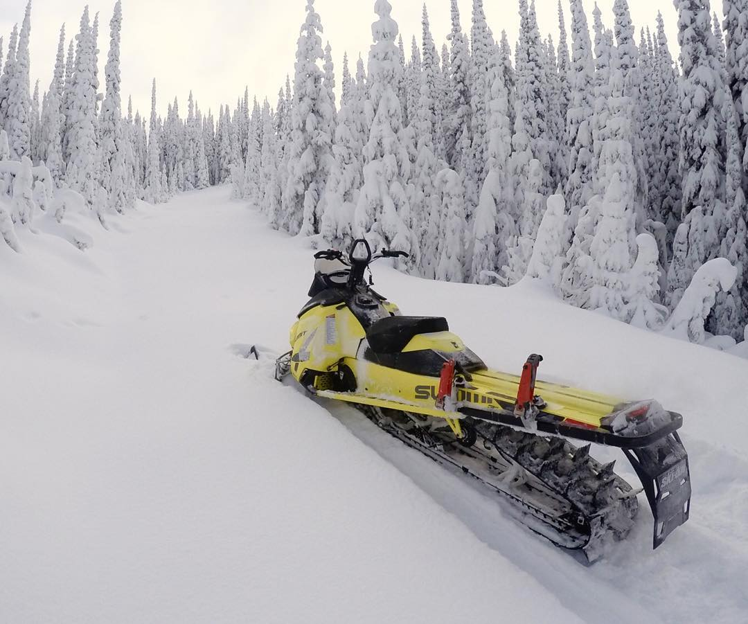 Missing this view already. I left my @SkiDooOfficial sleds over at @BaldfaceLodge in hopes that it forces me to go back there very soon. Great idea, right? Ha. #freshtracks #loooooongtracks #Summit174 #SkiDoo