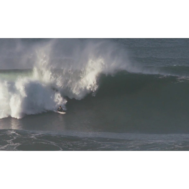 "regram @vincentduvignac My last video ""Enjoy The Silence"" is now online after 3 months of surfing between home and the Bask coast. Thanks to @fallingtv and also @gregmenager & #cheezyduck @etiennebelanhuchery . Link in my bio... Big up to my sponsors..."