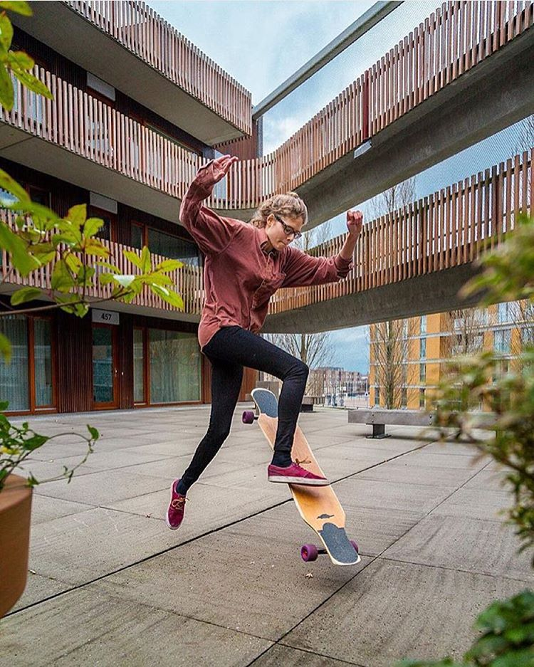 LGC Dutch Ambassador @martebosma had a session with @girlsinlongboarding! Check out their IG account for all the photos. Beautiful!  #longboardgirlscrew #womensupportingwomen #girlsinlongboarding #skatelikeagirl #martebosma #lgcnetherlands