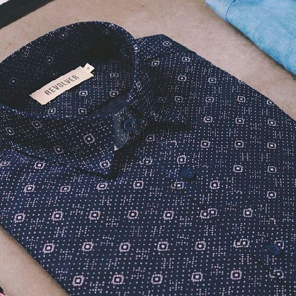 #añonuevo hay q empilcharse. Variedad de camisas #roparevolver