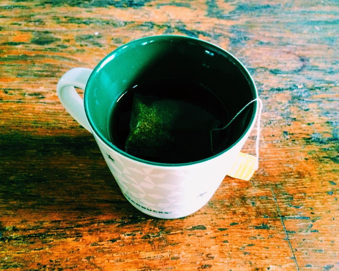 Primer ingesta completa desde el lunes, té de manzanilla
