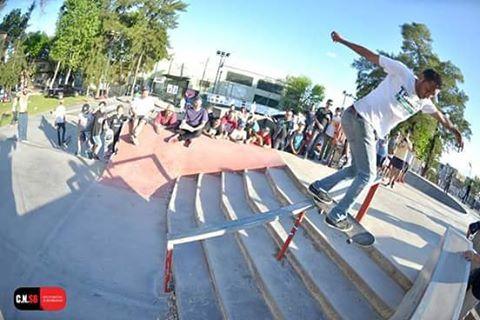 Nollie bs tailslide de Daniel Marquez en el campeonato del Chaca Park