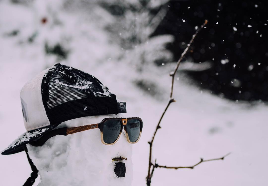 Nothing says winter like a snowman. Don't forget to enter our #WinterWonderlandGiveaway with @nichesnowboards, @sagaouterwear, @deftoptics & @unhly_supply before 2015 ends, link in @deftoptics bio!  Photo from our Ambassador, @dustykleiner