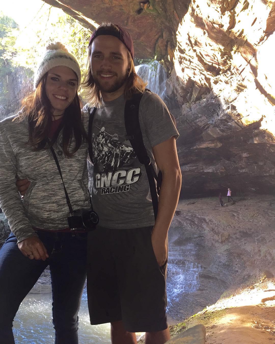 We went exploring! @whatthefett #colditzcove #hike #byebyemountains