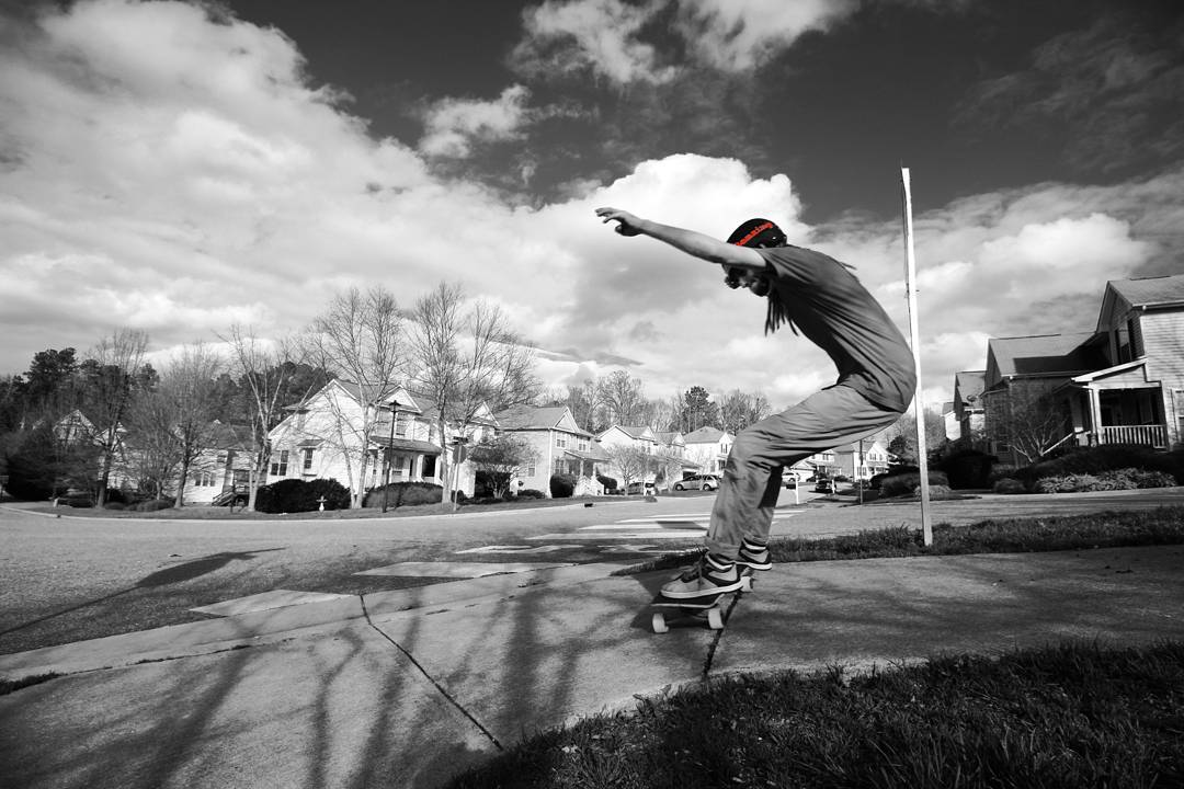 Bonzing sales rep Josh Dunn--@beautyoutofbabylon is a rad skater and great sales rep! We are stoked to have him at Bonzing!  #joshdunn #bonzing