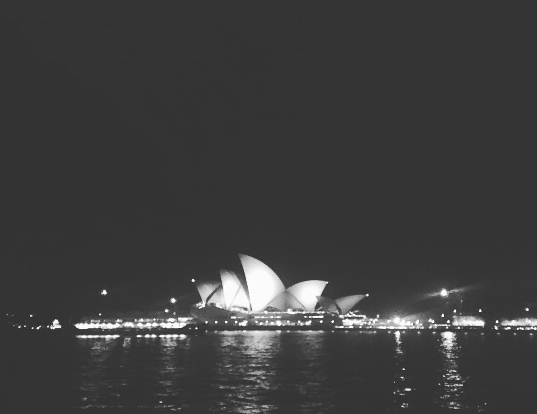 Cuando un caracol se abre, nace una vida que comparte su luz para recibirte! #sepuede #sydney #trippingmood #australia #benga