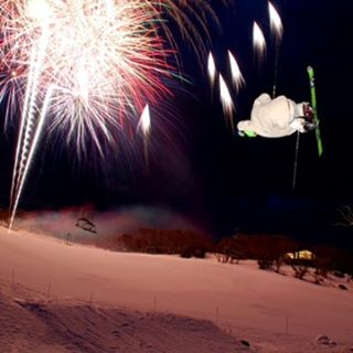 Happy New Year from @stokedorg ! Wishing you a year of happiness, peace, motivation and shredding.
