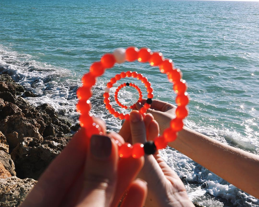 Closing in on the final hours to get the limited-edition red lokai! #livelokai Thanks @jilissaann