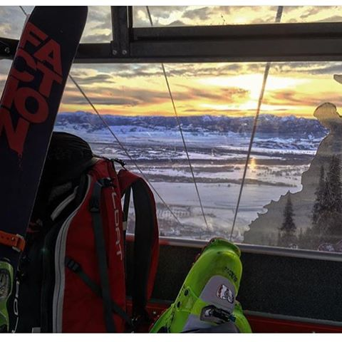 @gitter_dunne is making his morning commute.  Ah to be ski bum in @jacksonhole !! #embracethestorm | #flylowgear