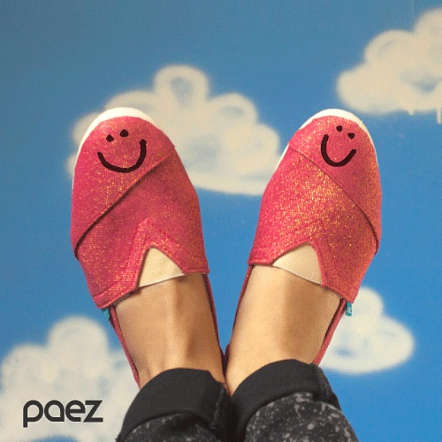 Use your smile to change the world, but don´t let the world change your smile. (•◡•) /  Today is the International Day of Happiness. #WeCelebrate #happyday #Paezshoes