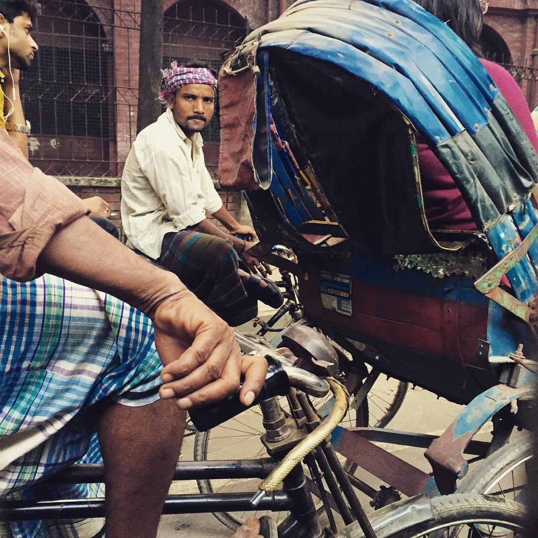 A paso junto, vamos que #sepuede #trippingmood #benga #bangladesh #dacca