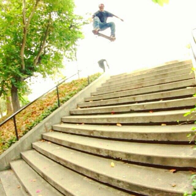 @listoassfoo dropping some hammers. #happy #2016 #skateboarding #skatelife #street #wood #skateshops #getbuck