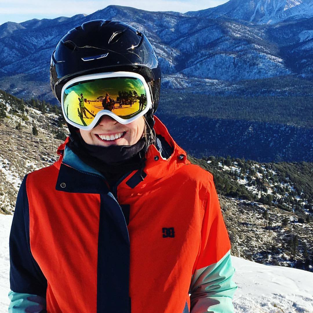 For our first #FanShotFriday winner of #2016 we have selected @endsleye for this rad shot of her at @bear_mountain! You can win too! Upload a photo of yourself in VZ gear and tag #VonZipper and we select one winner every Friday! #SupportWildLife