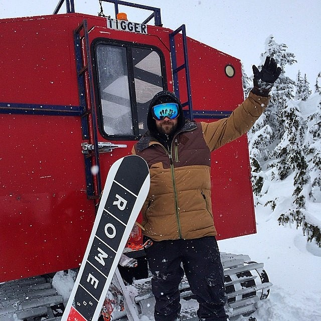#BC sales rep and all around creep...I mean badass, enjoying some cat laps courtesy of #PMSWhistler . Bluebird, fresh #POW , stoke levels are high. @derekhale - with @romesnowboards @leathermansport @dyesnow