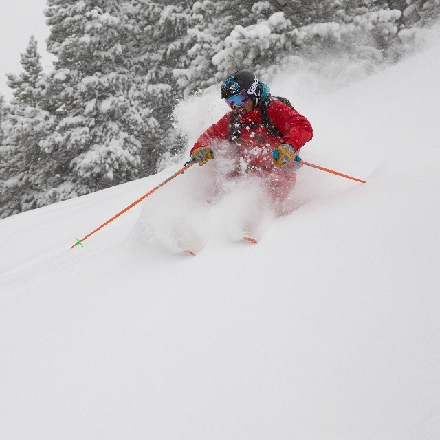 Grace athlete @drewrousepowpow getting some #spring pow pow at Vail #Colorado #orangehot #fielder
