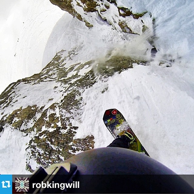 #Regram from @robkingwill dropping the absolutely insane Central Couloir in the JH backcountry on the #passitonproject @libtechnologies Gold Member. #jhpowwow