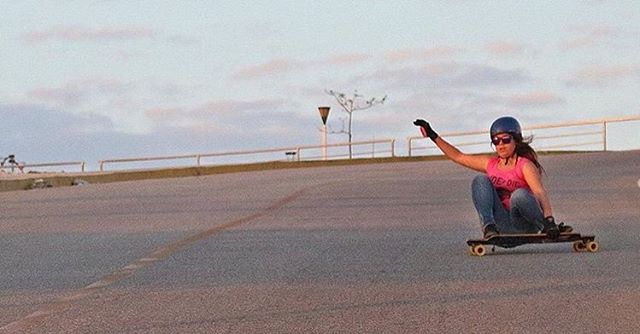 @longboardgirlscrewperu Ambassador @giorgidh starting the year right.  @lsdgy photo.  #longboardgirlscrew #womensupportingwomen #skatelikeagirl #lgcperu #giorginaivanov #lgc #peru