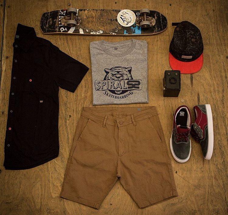 Spiral * Outfit #4 * #Summer16 #Tees #QualityShoes #LookSpiral #Newin #ForHim #GoSkate TEES BASIC DARK CLAW : http://www.spiralshoes.com/…/1336-tees-basic-dark-claw-mela… SHORT CHINO SPIRAL FERRUGEM:...