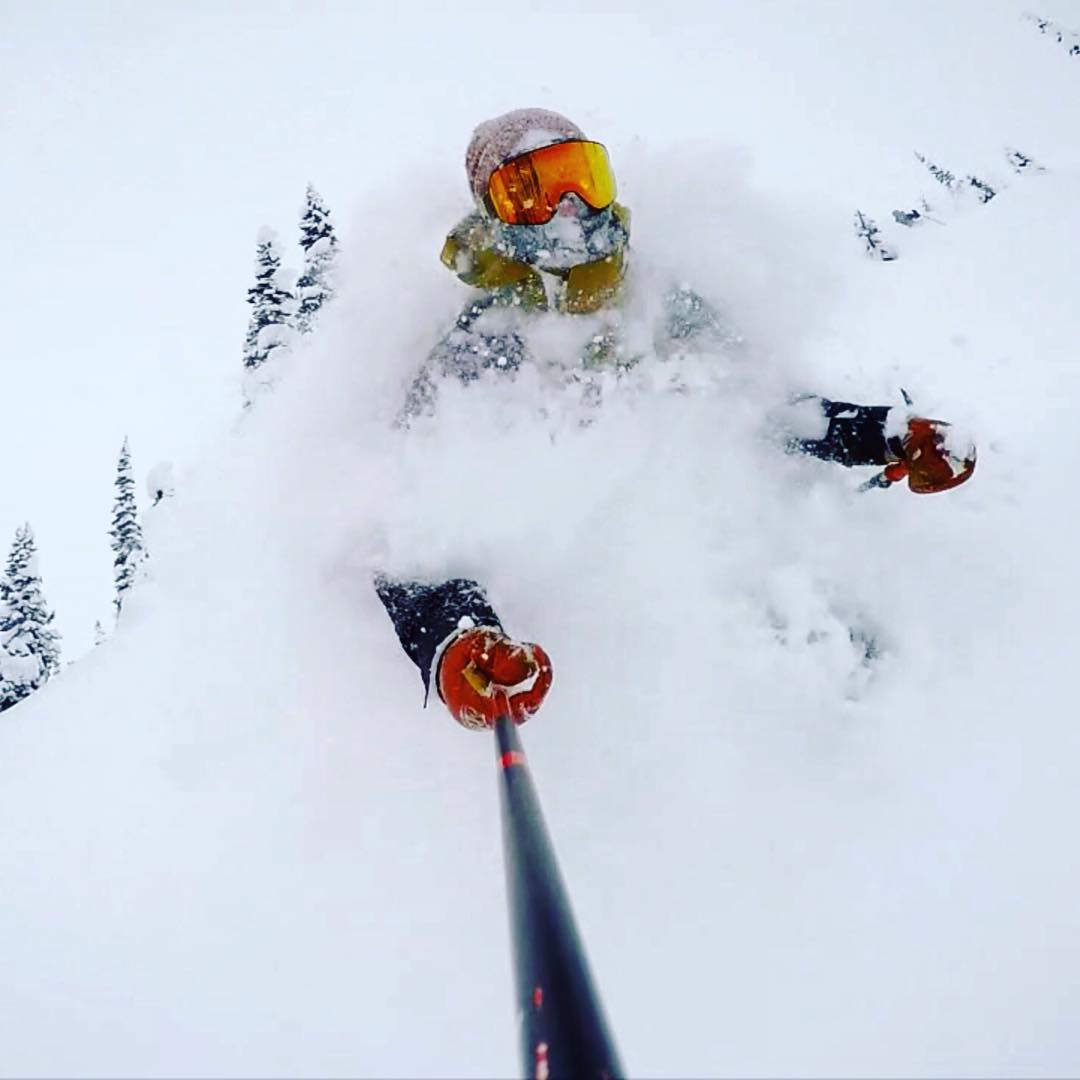 Buried deep in powder, @chrisbenchetler navigates into the New Year with a smile on his face.  #weareframeless #dragonNFX2  #adaptinstantly