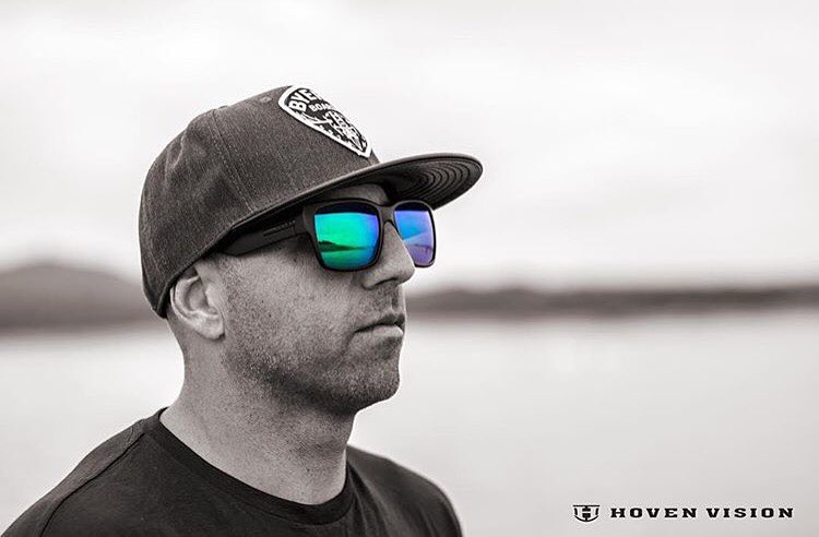 It's the first Monday of the year. Stare it down and handle it.  Hovens wake team manager Chad Lowe (@chad_lowe) wearing the matte black Mosteez/ polarized green lens. Photo// @aagimagery  Get yours at www.hovenvision.com #hovenvision #whatsyourvision...
