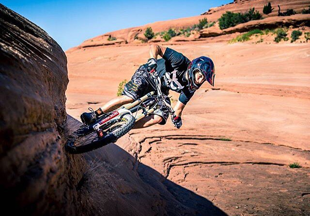 First Monday of the year. We sure wish we were out shredding Moab with @cmjdavies instead! #Caseofthemondays
