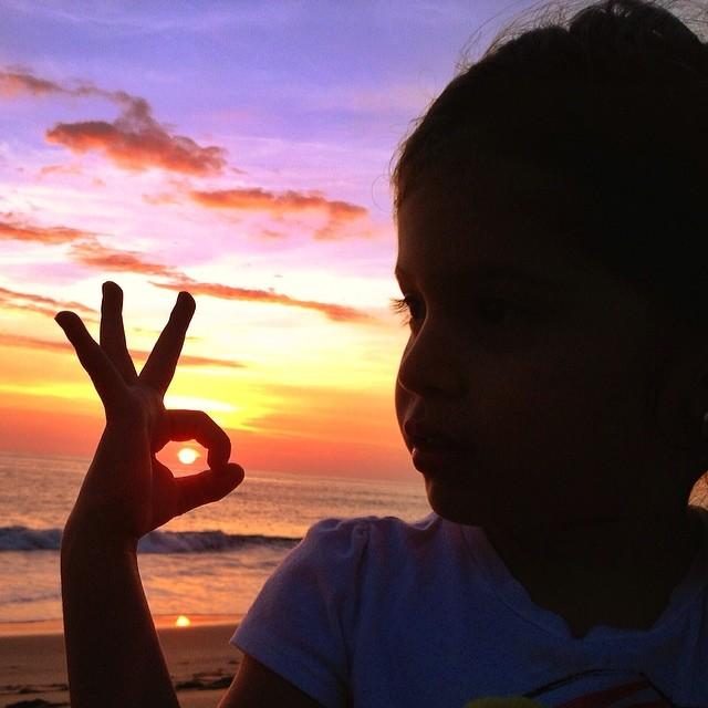 Lu jugando con el Sunset