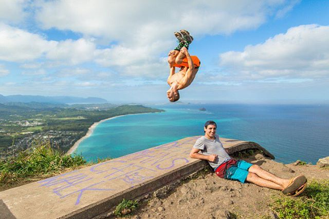 #Monday has us #jumping off #cliffs @adventuremandan #deadmanscatwalk #hawaii #flip #water #action #athleisure #fun