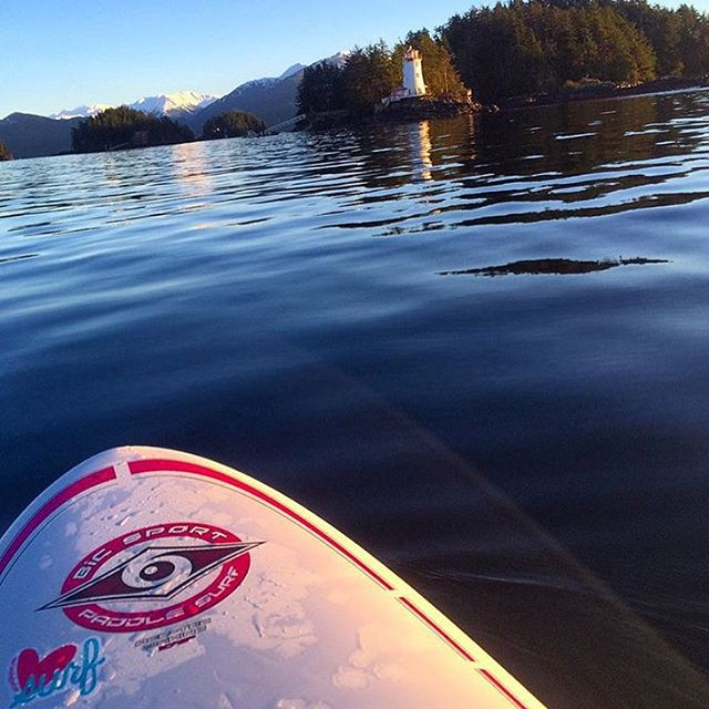 Thank you, @jillcaustin for bringing us along on your surf trip to Alaska☺️ #alaska #surfergirl #wahine #luvsurf