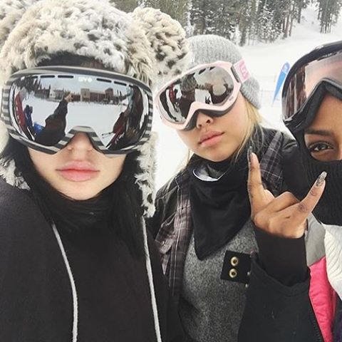 @kyliejenner stays snow ready in the Platoon #snowgoggle.  Shop all Platoon styles through the link in the bio!  #SEEHAPPY #kyliejenner #regram
