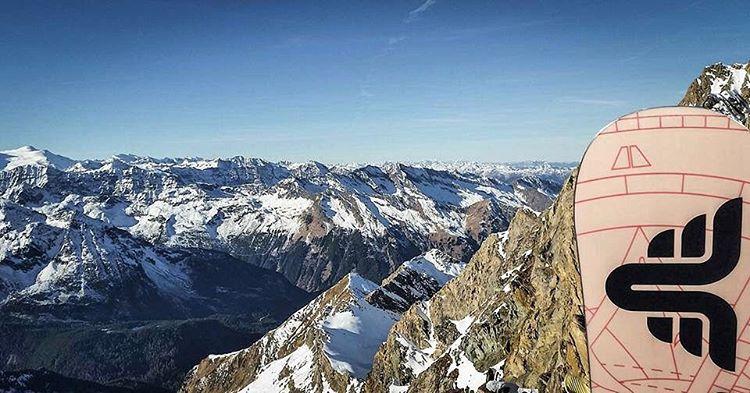 Thriving in Austria! #thrivesnowboards #thriveeurope @wolf_wieser_fotoworkx #snowboard #relentless #freeride