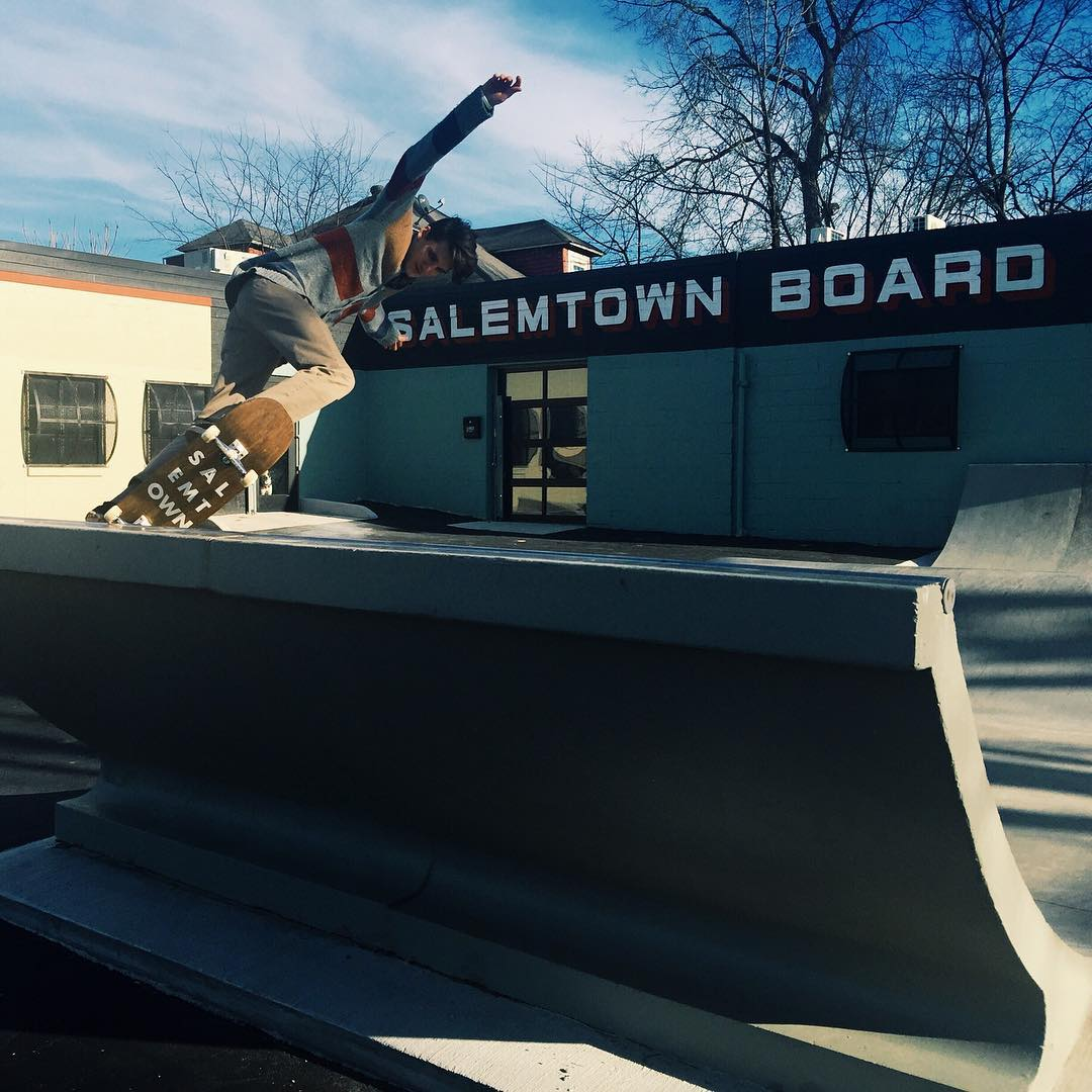 @nolannomad makin use of the sunny day to cruise our skate spot. Come see us at 1003 Buchanan St in Nashville.