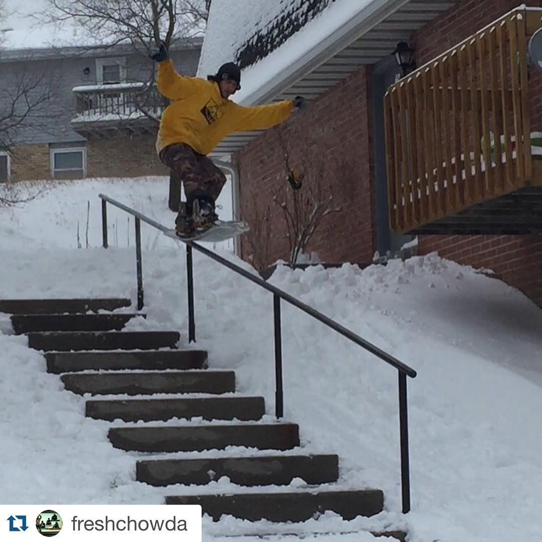 So-Gnar Team Rider @freshchowda threw a little party in the streets of #wisconsin w/ a sw5-0! Party on, J!