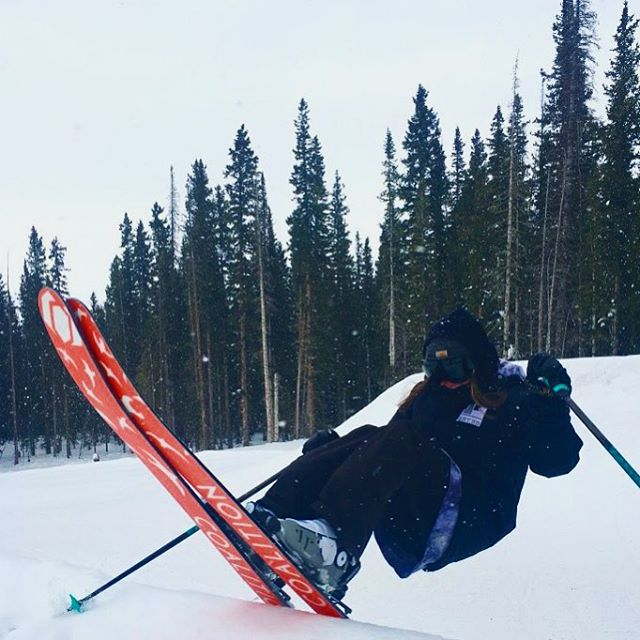Ain't easy being #steezy.  @melissa_benji made it to @tellurideski!