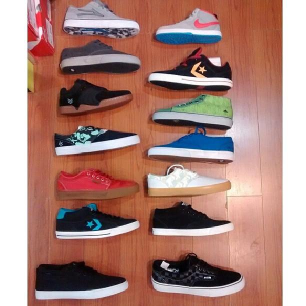 liquidando!! estos son algunas d las #zapasimportadas q tenemos a $900 en #galeriaplazaitalia #vans #nikesb #emerica #lakai #converse #eSfootwear #voxfootwear