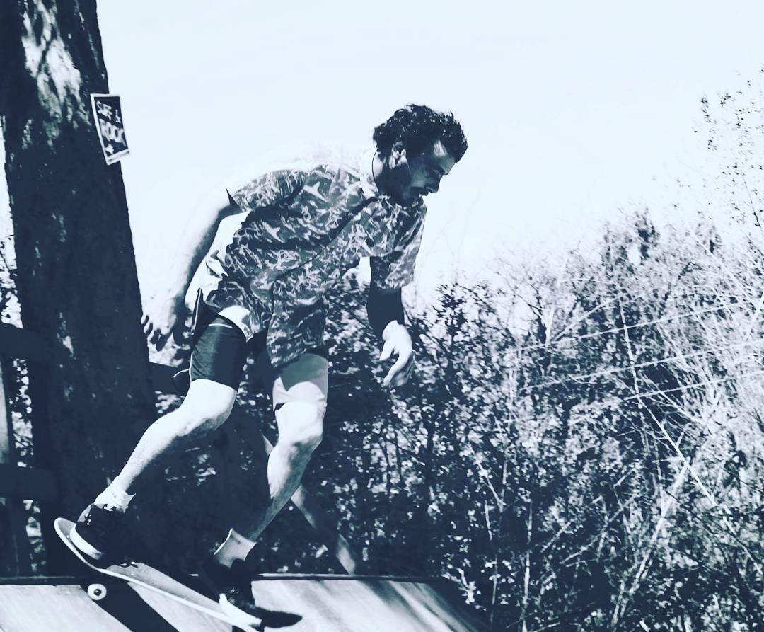 Always on the edge!  #skatelife by @rulowakeskate ✊