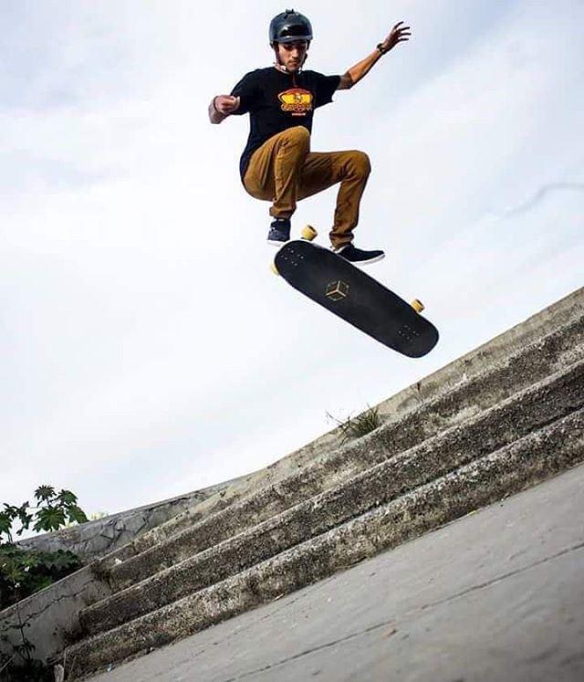 Another sweet shot from our boys over at @treeeskateboarding of @marcosandoval_lbd kick flipping his #Cantellated #Tesseract without a care in the world.  Photo: @fernandovegavega  #Treeeskateboarding #LoadedBoards #Orangatang