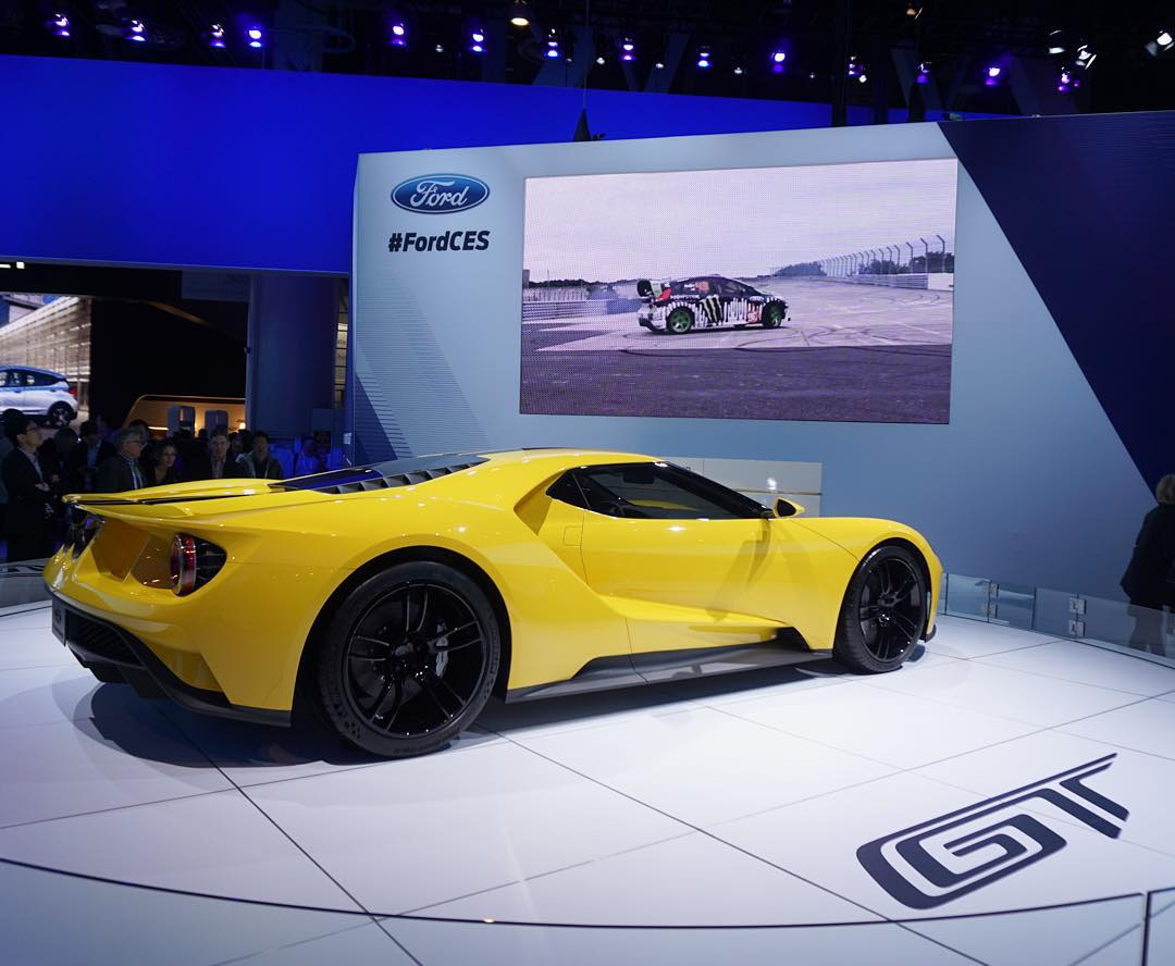 If you're at #CES2016 and you wanted the chance to see the upcoming Ford GT in person (and in this AWSM yellow), make sure to swing by the Ford booth in the North Hall. I absolutely love this car. *cough* hint hint *cough* Also, GYM3 Fiesta cameo on...