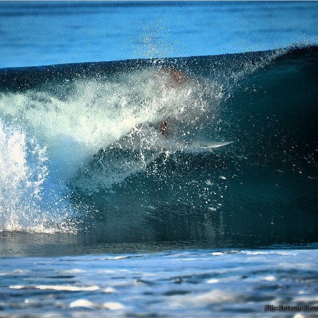 Yup... It's #Spring in some places. @nicjacobson getting #barreled in #CostaRica . @youngvisionsurf #Surfing Clean #Ocean