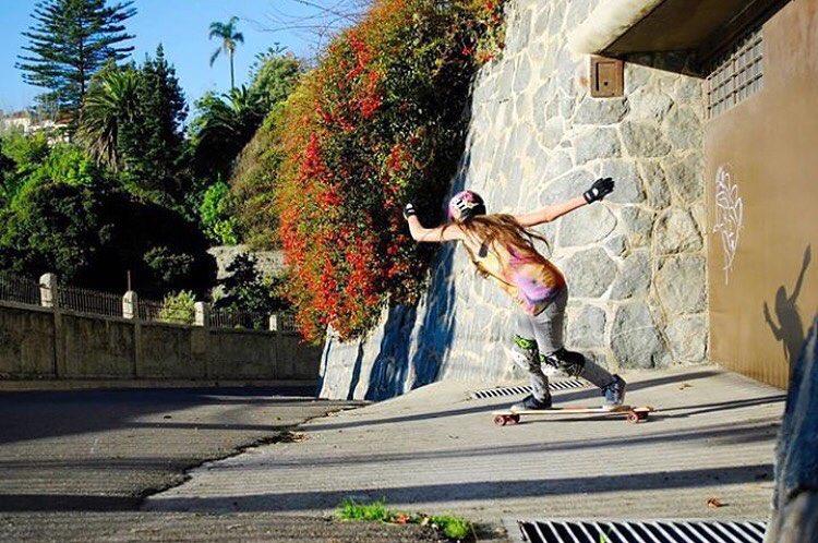 @lgcchileoficial rider @valentina_urrejola rippin'! Repost from @dhfem_chile  #longboardgirlscrew #womensupportingwomen #skatelikeagirl #lgcchile #chile #valentinaurrejola
