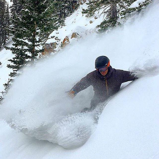 Hard at work.  Flylow president @flylowdan testing skis at the OR demo shredding with the Dylan Crossman (@trees2ski ). #embracethestorm | #flylowgear