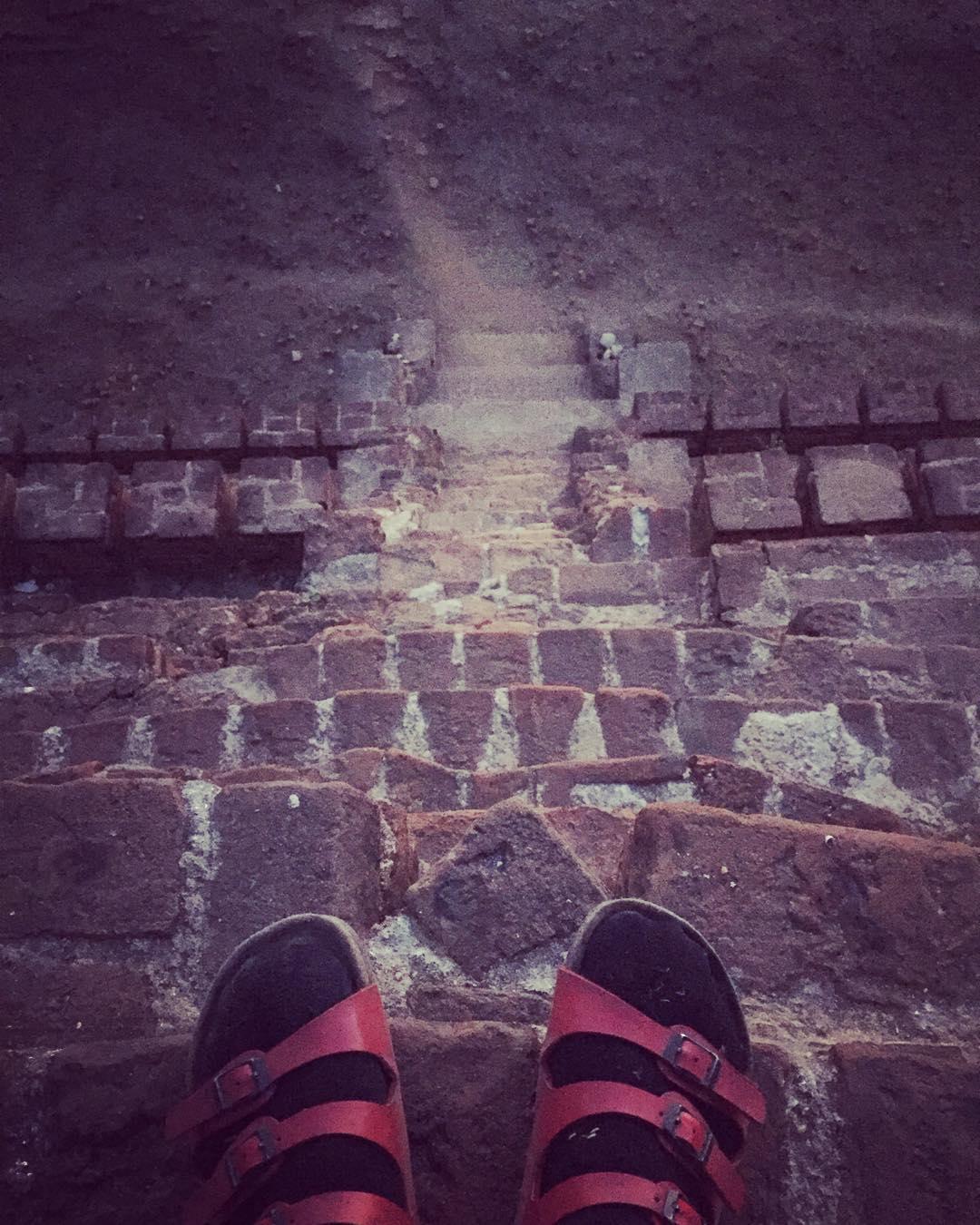 Following the path! #myanmar #bagan #trippingmood #benga