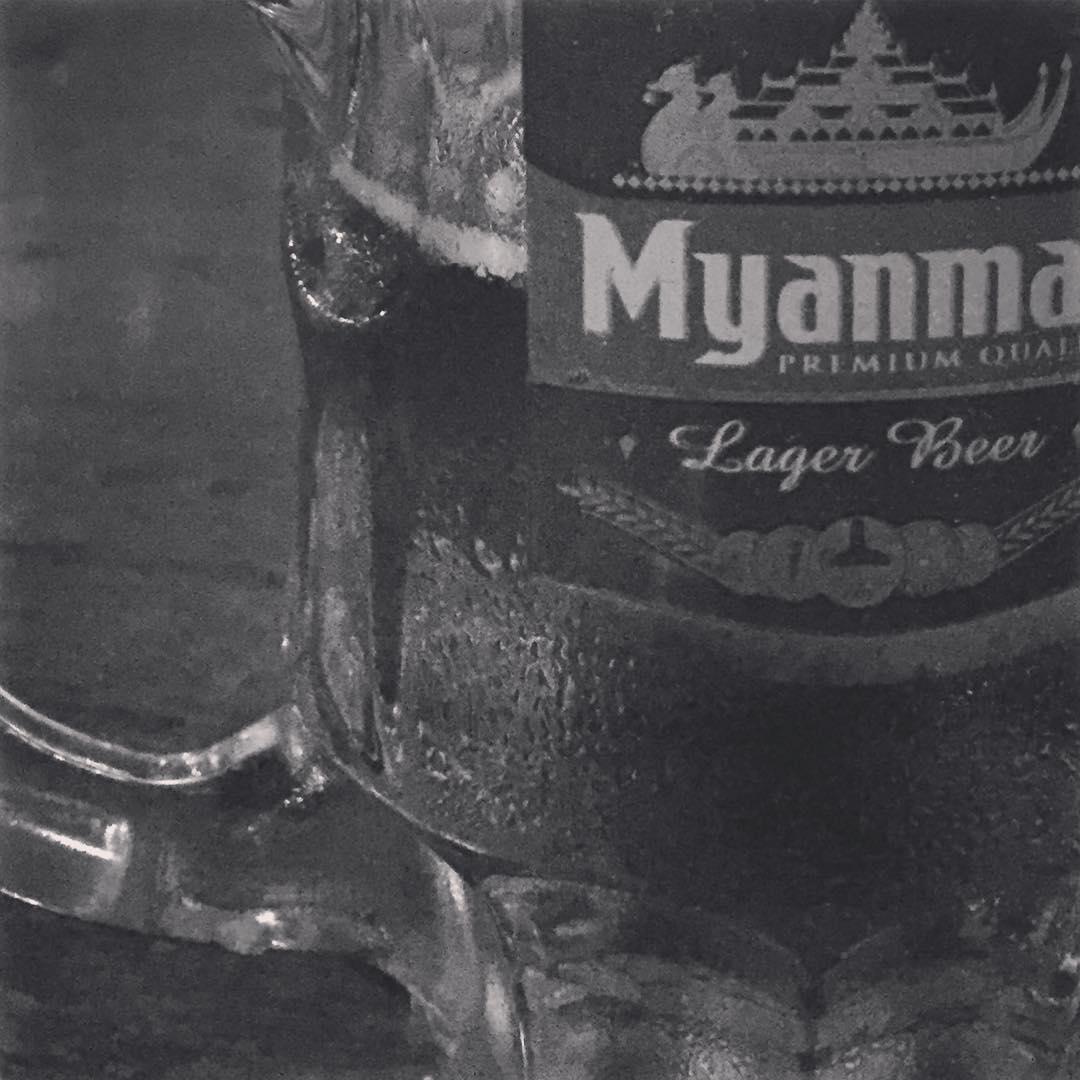 Momentos que acompañan! #bagan #benga #bagan #trippingmood #myanmar #beer