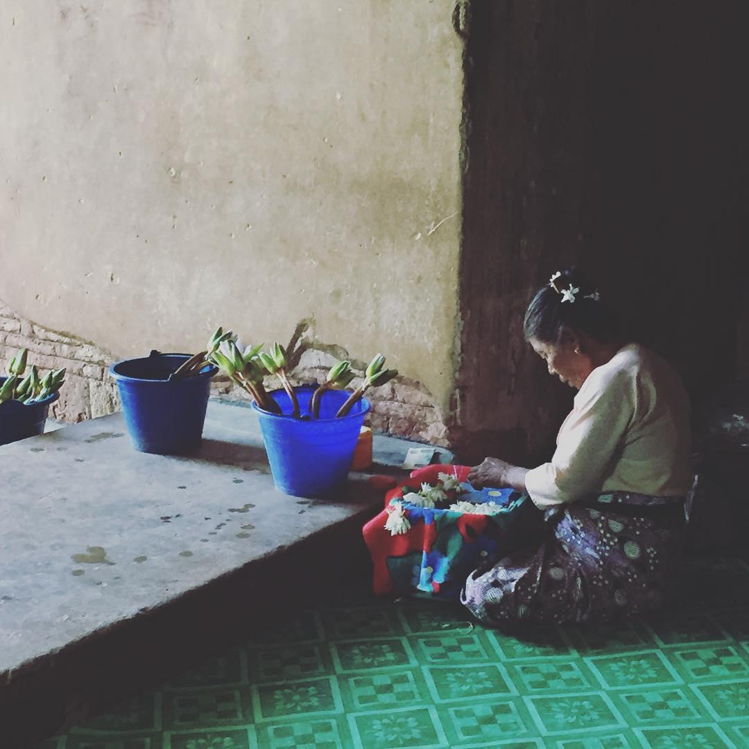 Tejiendo hermosura! #myanmar #bagan #trippingmood #benga