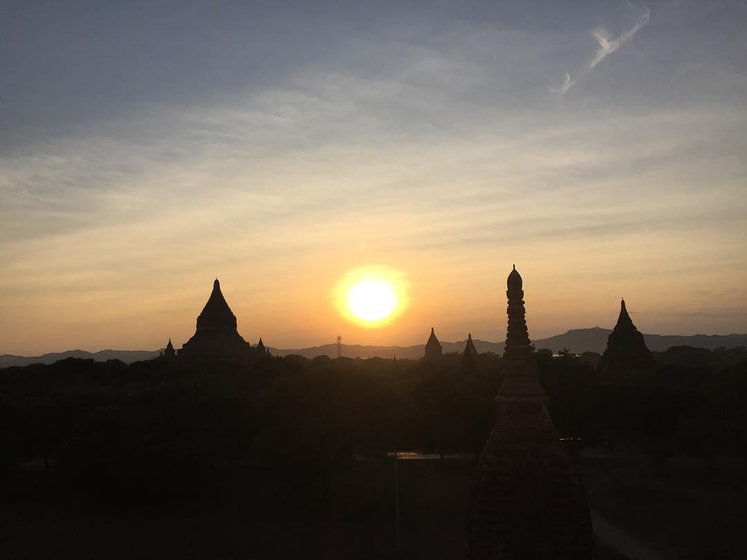 Asi se baja! #sinfiltro #bagan #benga #trippingmood #myanmar