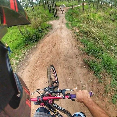 Something fresh for the end of the week... How about #FanShotFriday We get a ton of rad riding shots shared via faceboook & instagram, starting today we are going to share some of the best ones back with our fans! So... here's @Dhdessunte from Brazil...