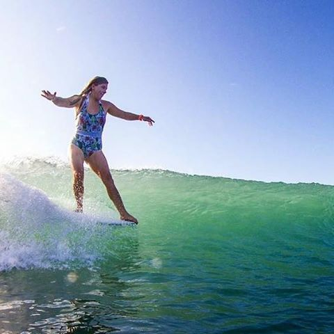 #akelasurf  Rider @kaitlin_maguire #ladyslider #beutiful photo Andrew Carruthers