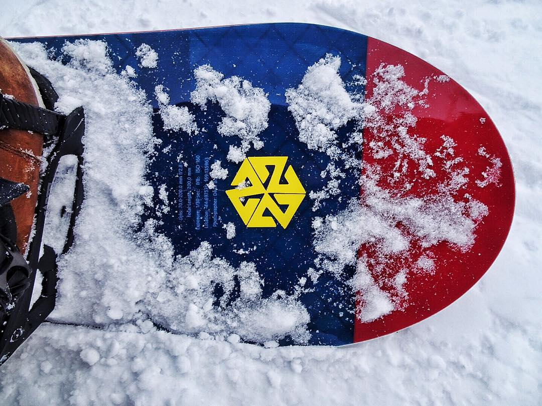 Snowboarding is a pathway to awakening. #avalon7 #liveactivated #snowboarding #A7CO #jhlife www.avalon7.co