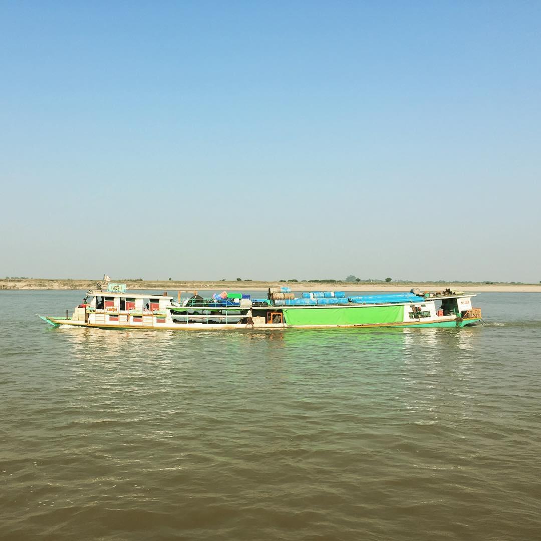 Para adelante! #boat #mandalay #benga #myanmar